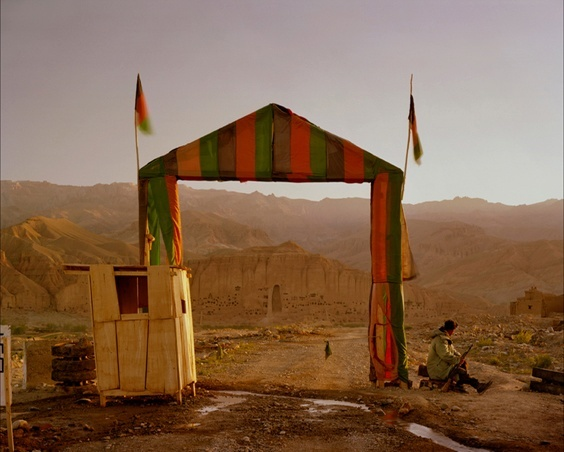 Photo by Simon Norfolk for War/Photography exhibit
